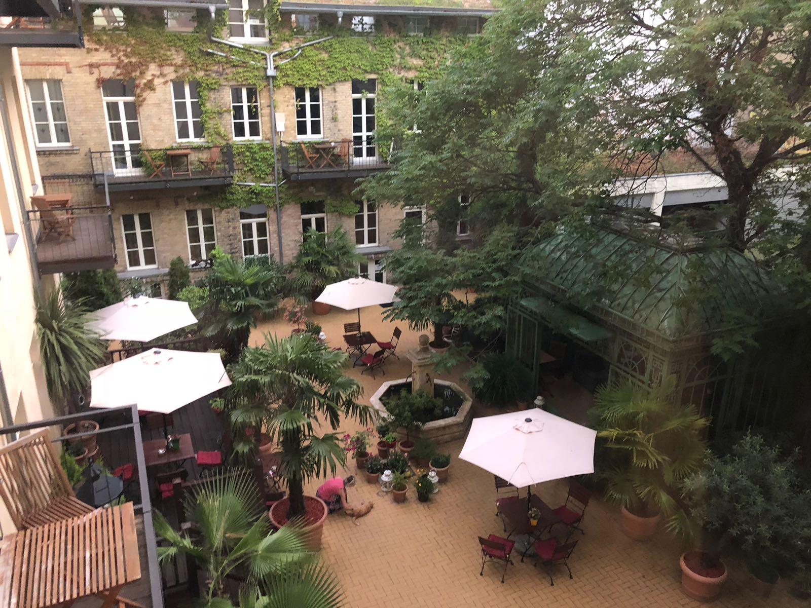 garden living apartment hotel in berlin mitte jump berlin. Black Bedroom Furniture Sets. Home Design Ideas